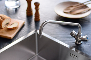 Commercial Kitchen Sink Mixers