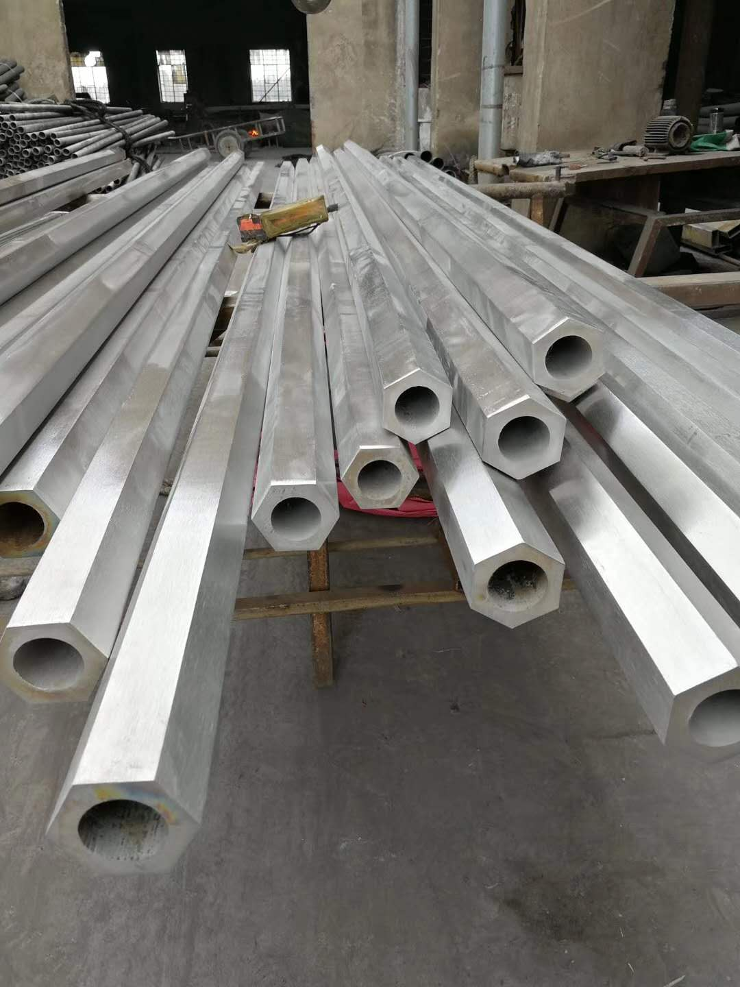 AISI 304 cold drawn hexagonal stainless steel tube