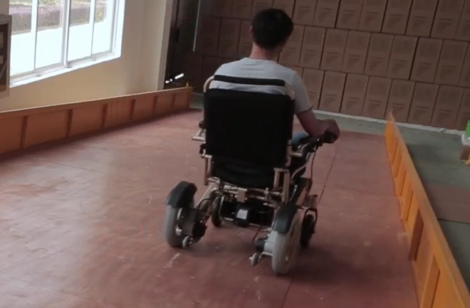 electric wheelchair.png