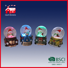 Hot Style Polyresin Christmas Water Globes Gifts