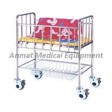 Moving Stainless steel hospital baby bassinet/bed